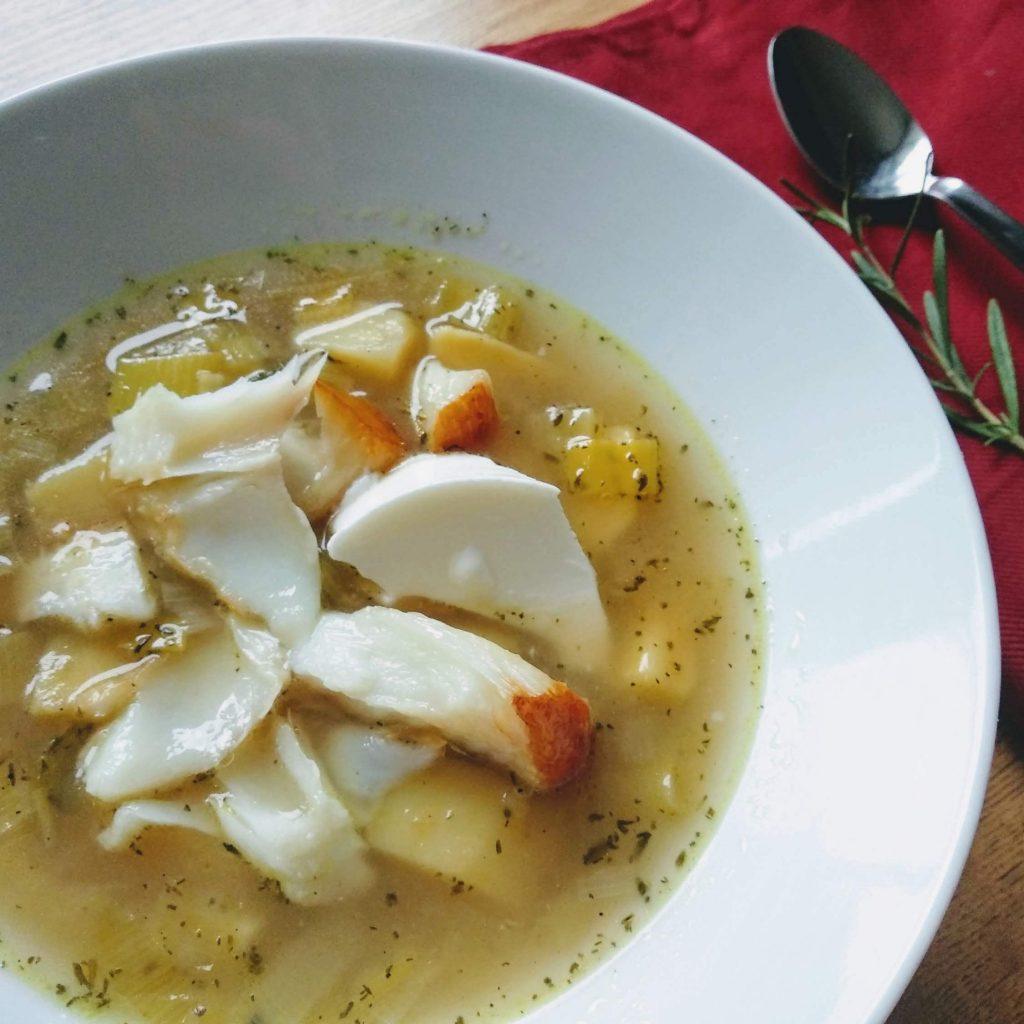 Zdjęcie nr 1 - Zupa porowo-ziemniaczana z wędzoną rybą