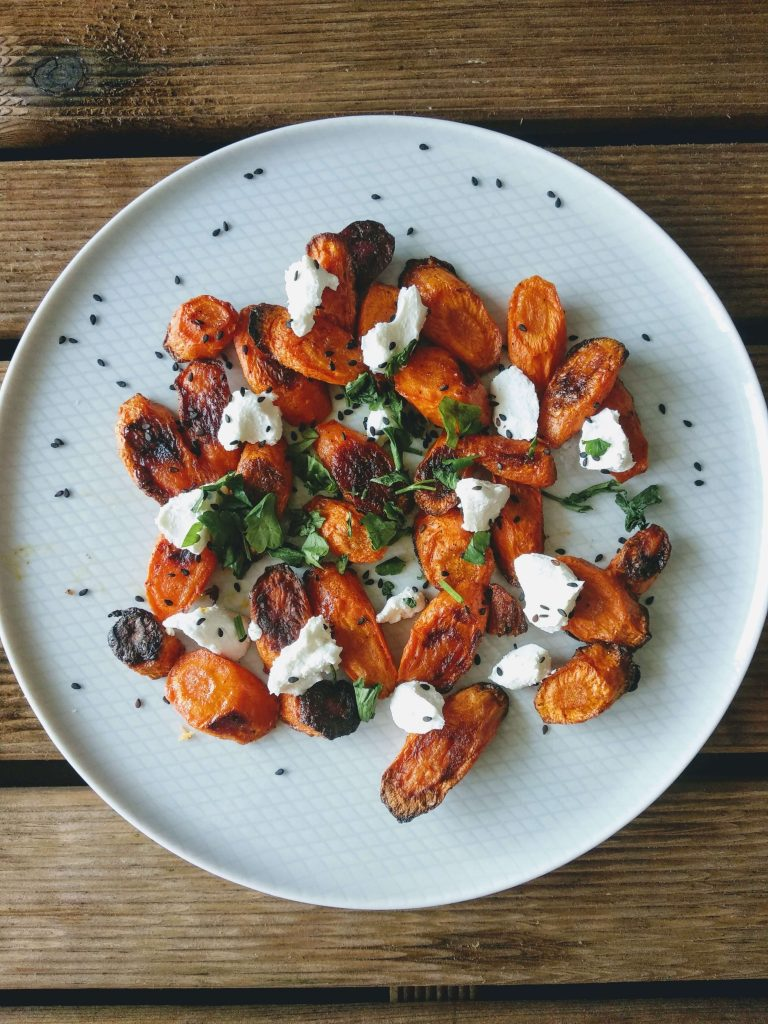 Zdjęcie nr 1 - Pieczone marchewki z serem kozim