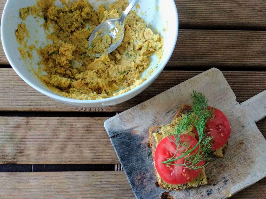 Zdjęcie nr 2 - Kalafiorowa pasta kanapkowa
