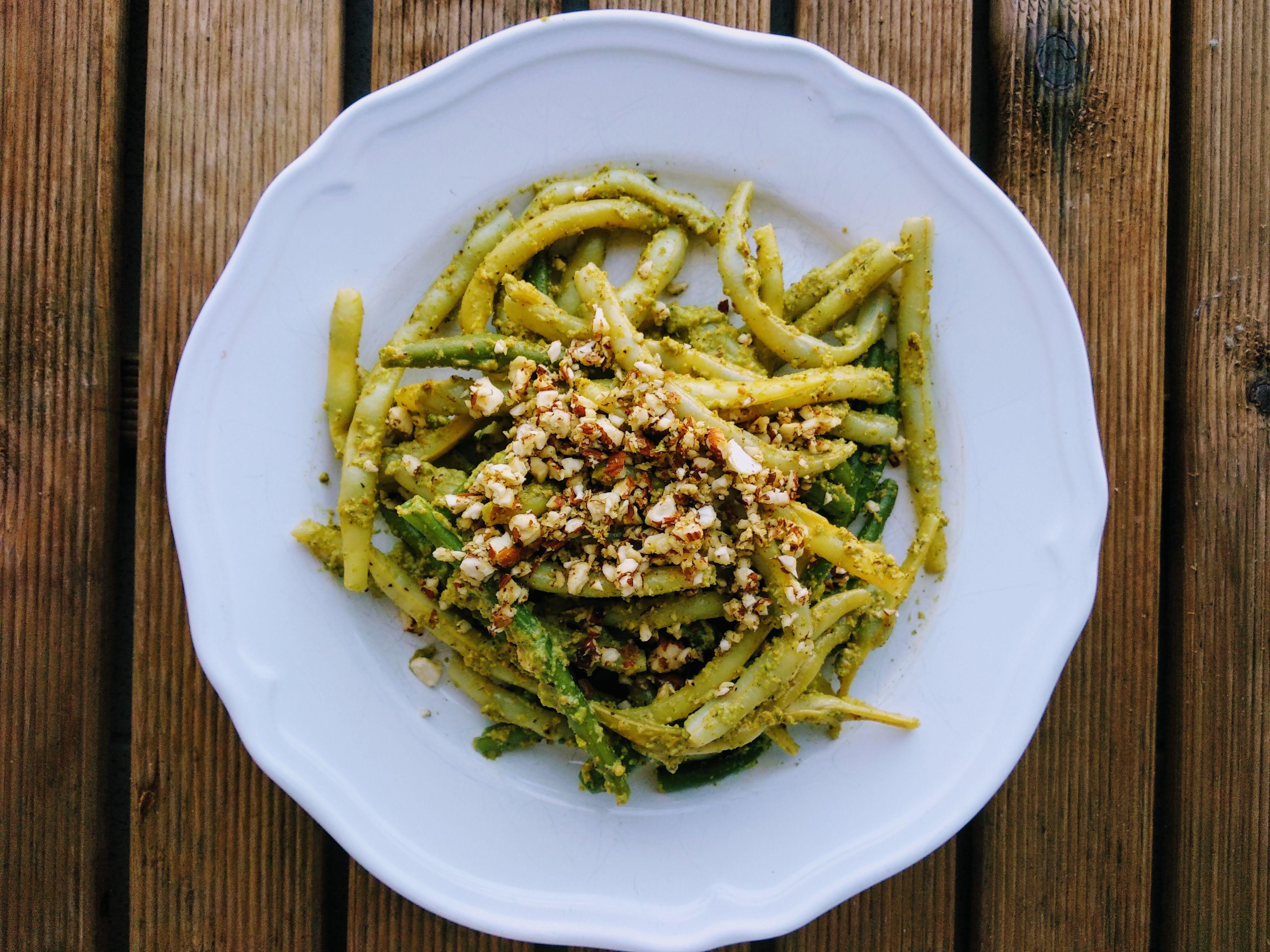 fasolka szparagowa z pistacjowym pesto